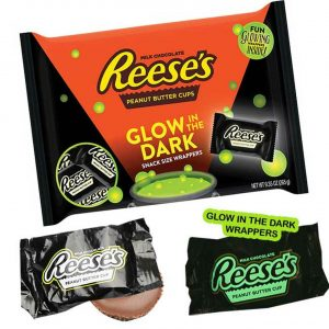 reese's glow in the dark snack size